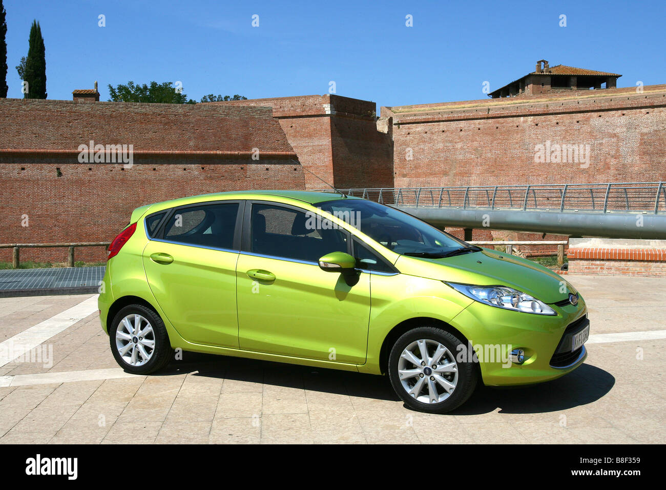 new green ford fiesta car stock photos new green ford fiesta car rh alamy com green ford fiesta for sale green ford fiesta hatchback