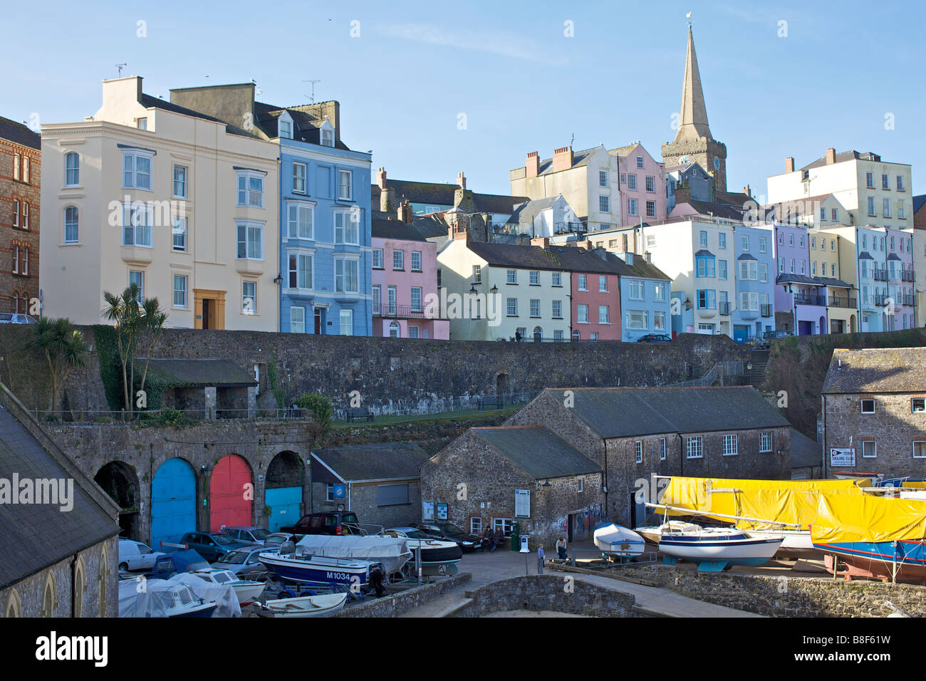 Tenby harbour in Wales - Stock Image