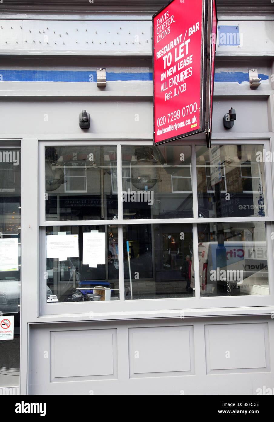 Closed down restaurant premises in Islington, London Stock Photo