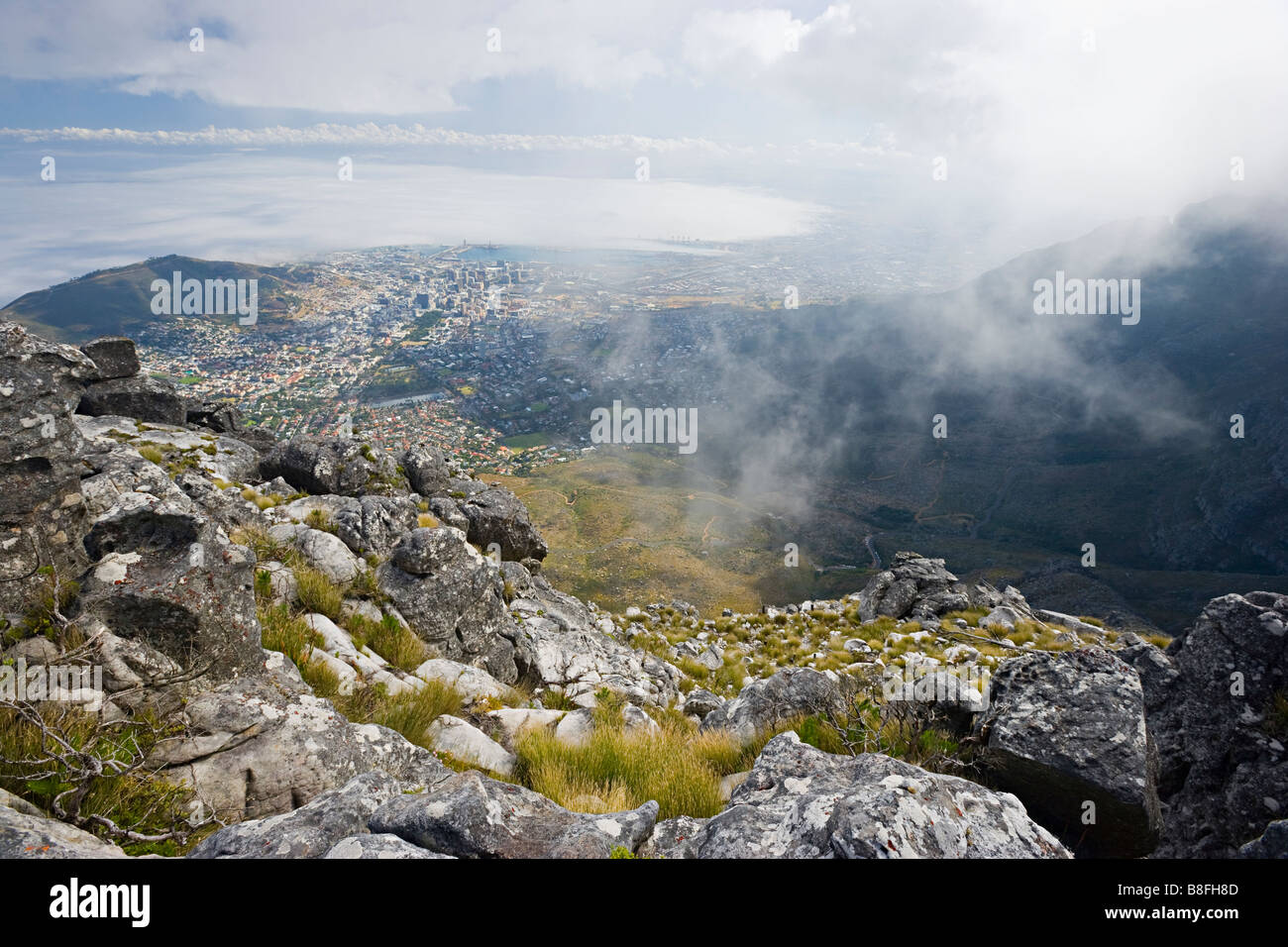 A view looking down onto Cape Town, South Africa from Table Mountain. - Stock Image