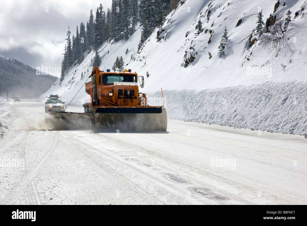 Colorado Department of Transportation snow plow working on Highway 50 near Monarch Pass, Chaffee County, Colorado, - Stock Image