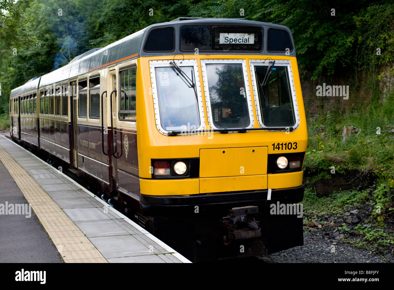 A class 141 DMU train starting off from Wolsingham station on the Weardale Railway. - Stock Image