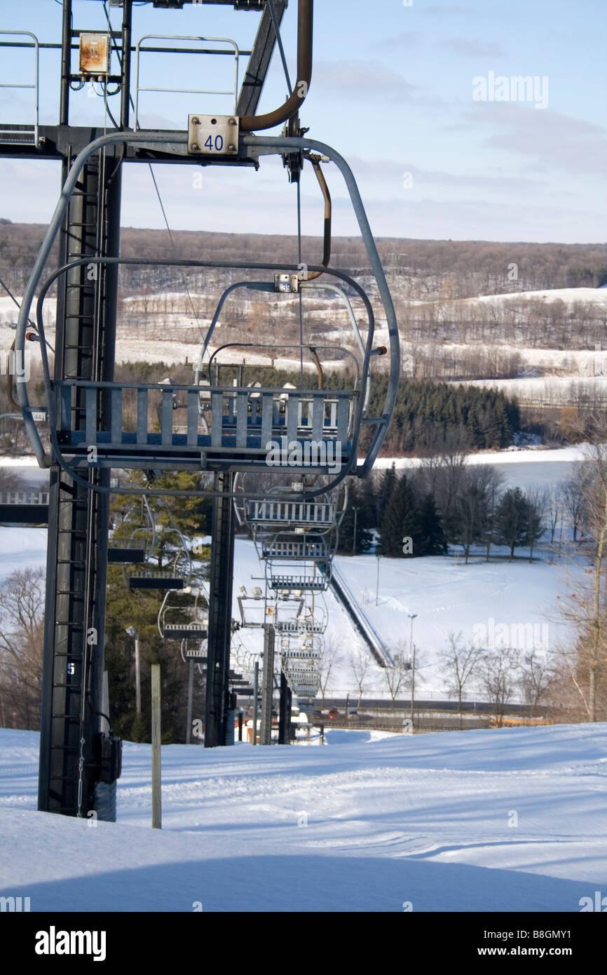 3 person ski lift at glen eden ski resort stock photo: 22495285 - alamy