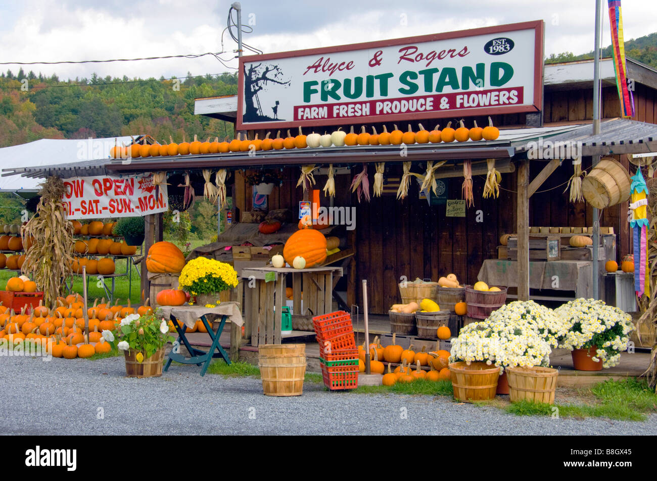 Alyce and Rogers Fruit Stand in Mount Tremper New York USA Stock Photo