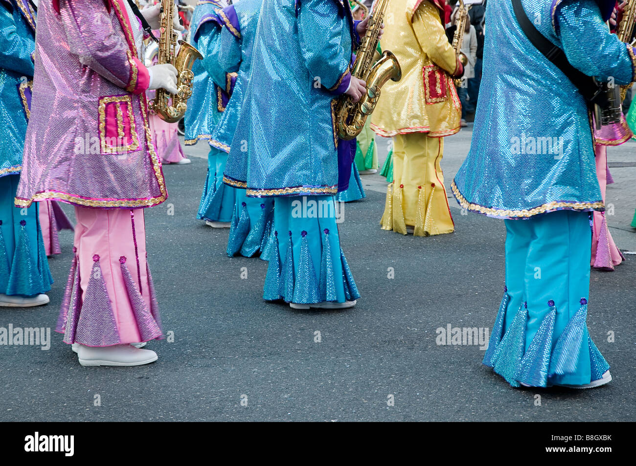 Marching Mummers band at annual parade in Philadelphia - Stock Image