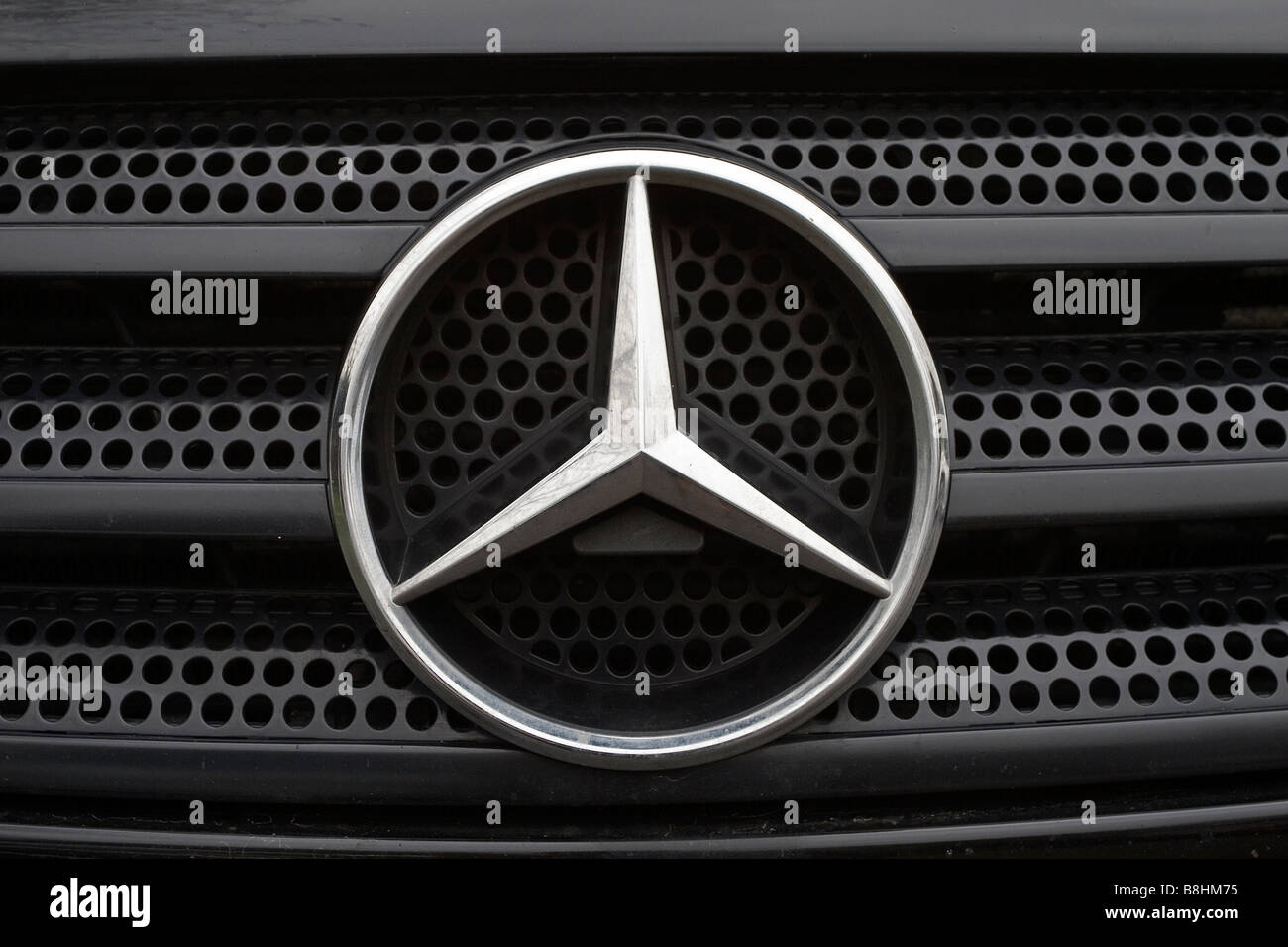 Mercedes Benz Logo Stock Photos & Mercedes Benz Logo Stock