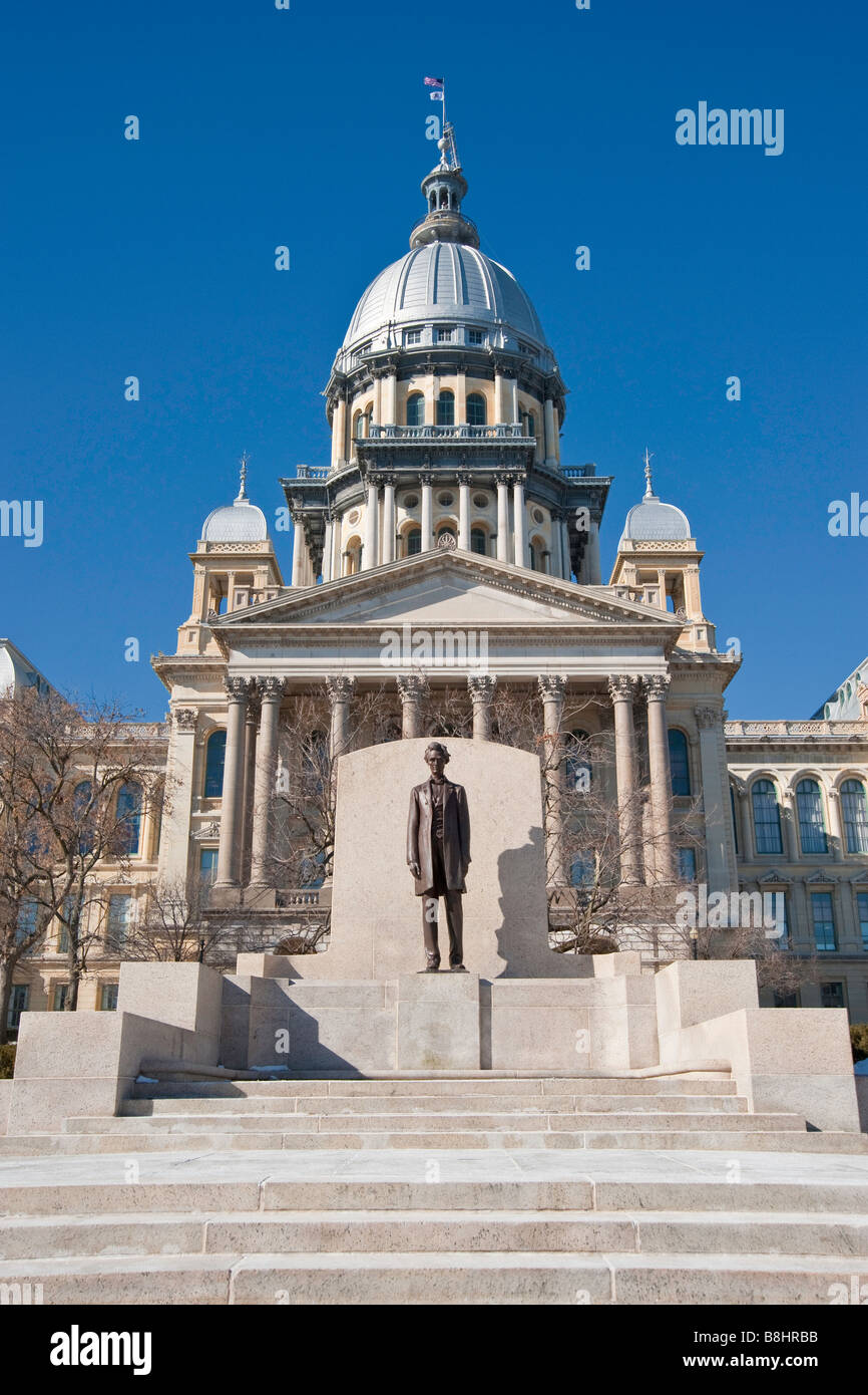 Illinois state capital building in Springfield, Illinois with Lincoln statue - Stock Image