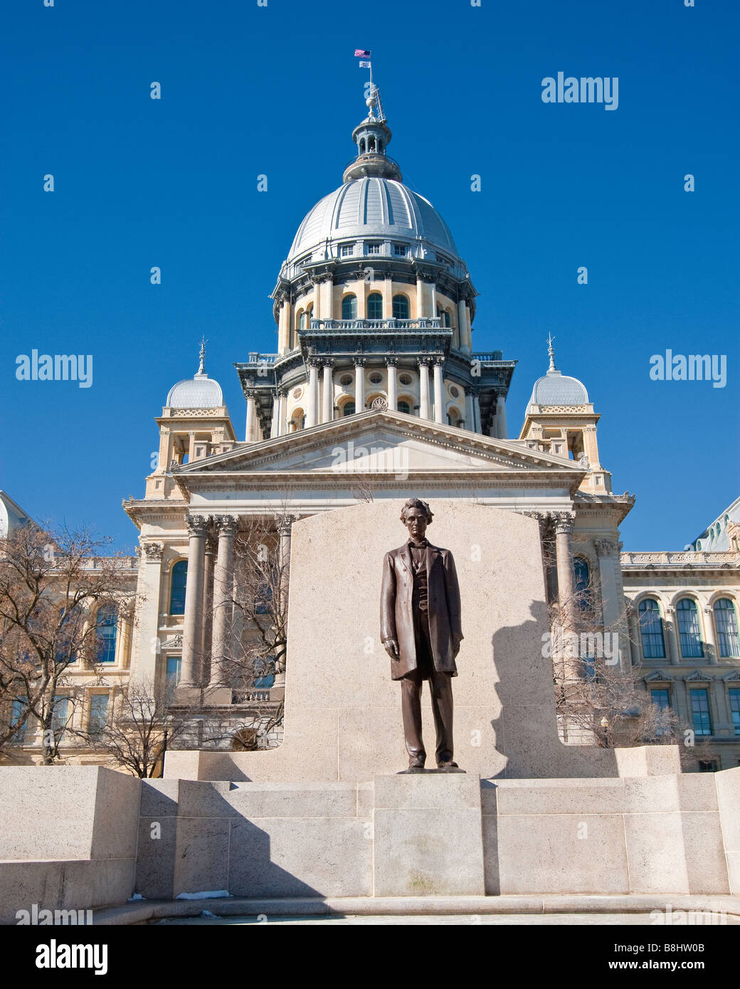 Illinois state capital in Springfield, Illinois with Lincoln statue - Stock Image