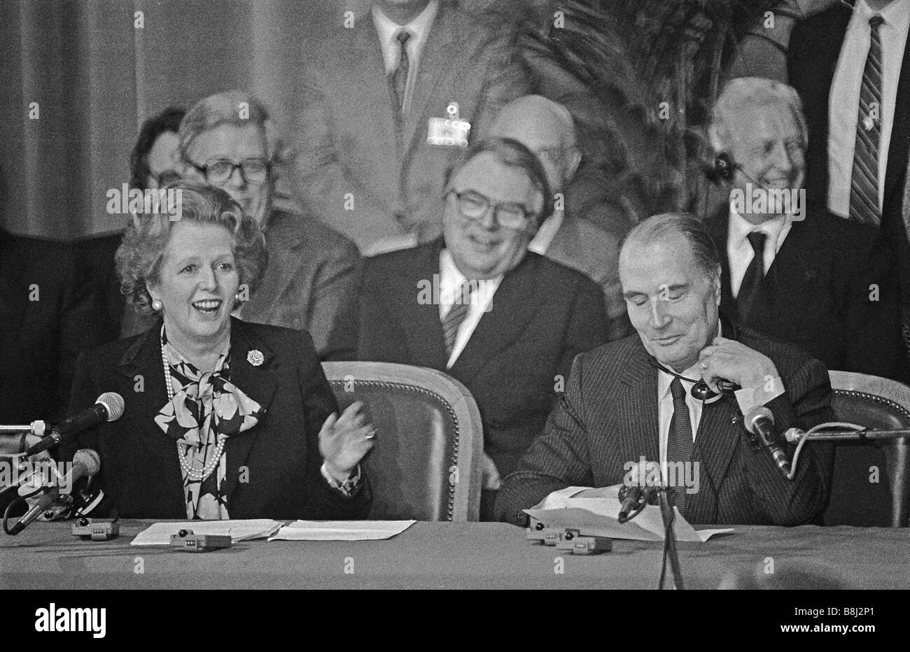 Prime Minister Thatcher and President Mitterrand announce that Eurotunnel have won the concession to build the Channel - Stock Image