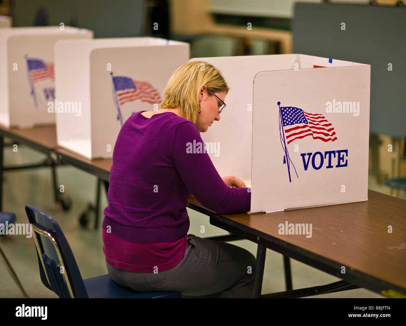 FAIRFAX COUNTY, VIRGINIA USA - Woman voter at polls during presidential election November 4, 2008. - Stock Image