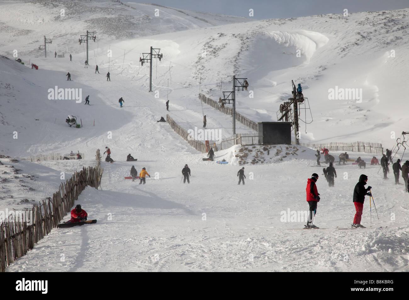 wooden fencing, holiday, skiing, peak, slope. scottish winter snow