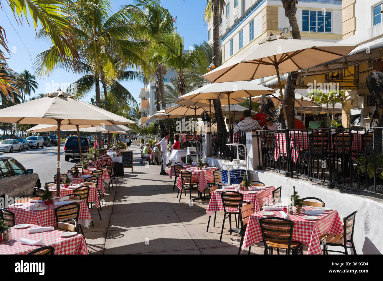 Restaurant On Ocean Drive In The Art Deco District South Beach
