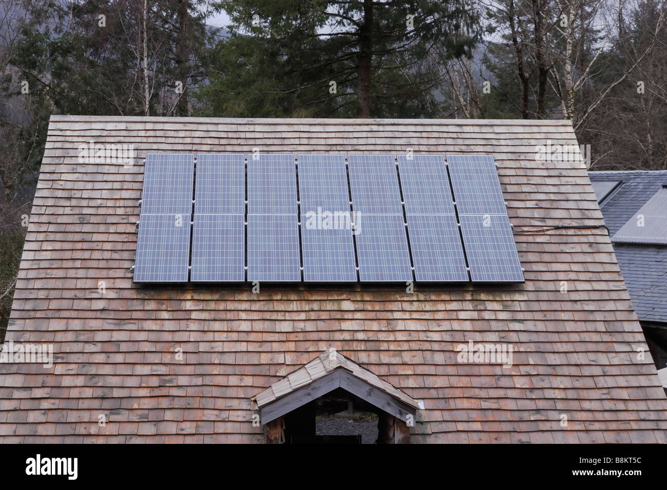 Solar Panel Roof Shingles >> Solar Panel On A Wooden Shingle Roof At The Centre For Alternative