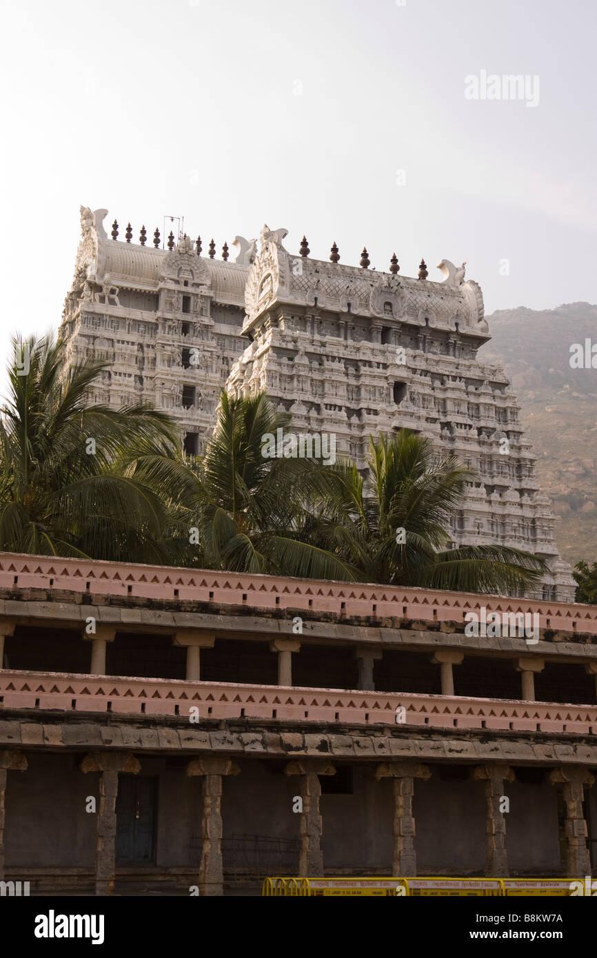India Tamil Nadu Tiruvannamalai Arunachaleswar temple white gopurams from the inner sanctuary - Stock Image