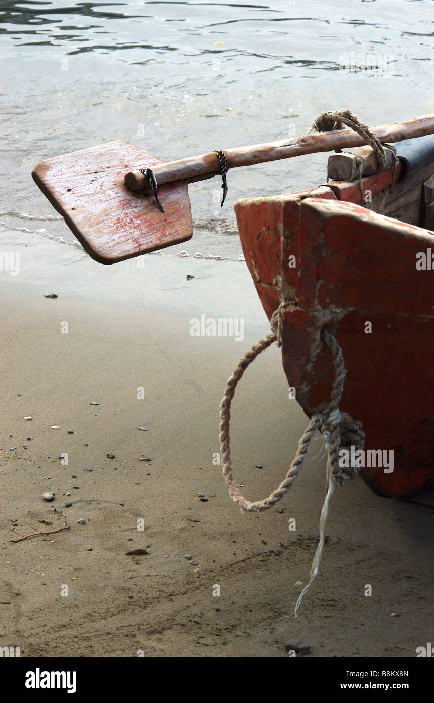 An oar on a fishing boat; Tanganga, Santa Marta, Colombia - Stock Image