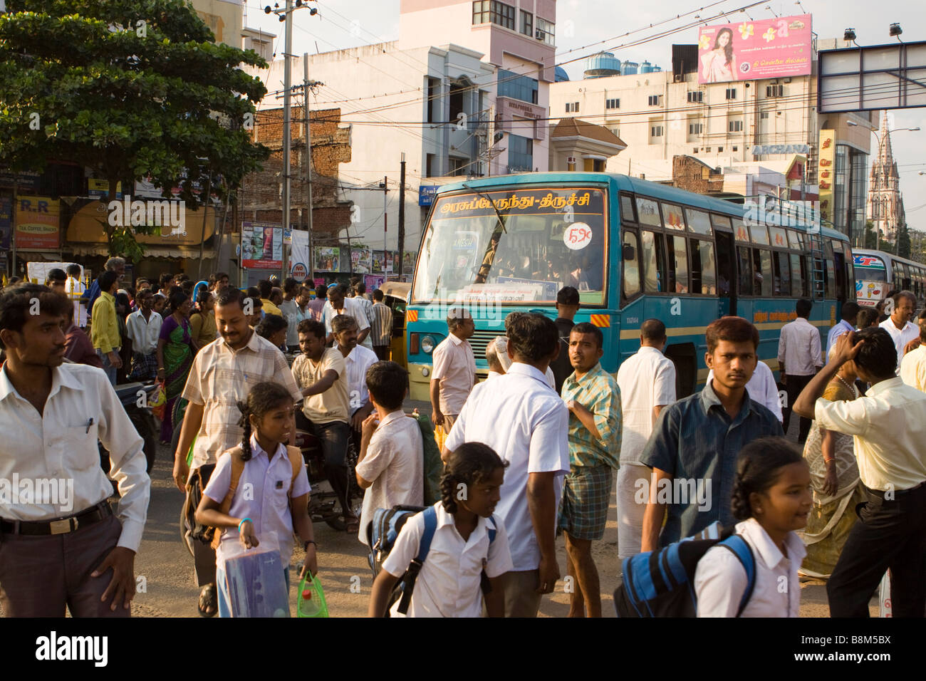 india tamil nadu tiruchirappalli chinnar bazaar many people in street stock photo 22570910 alamy. Black Bedroom Furniture Sets. Home Design Ideas
