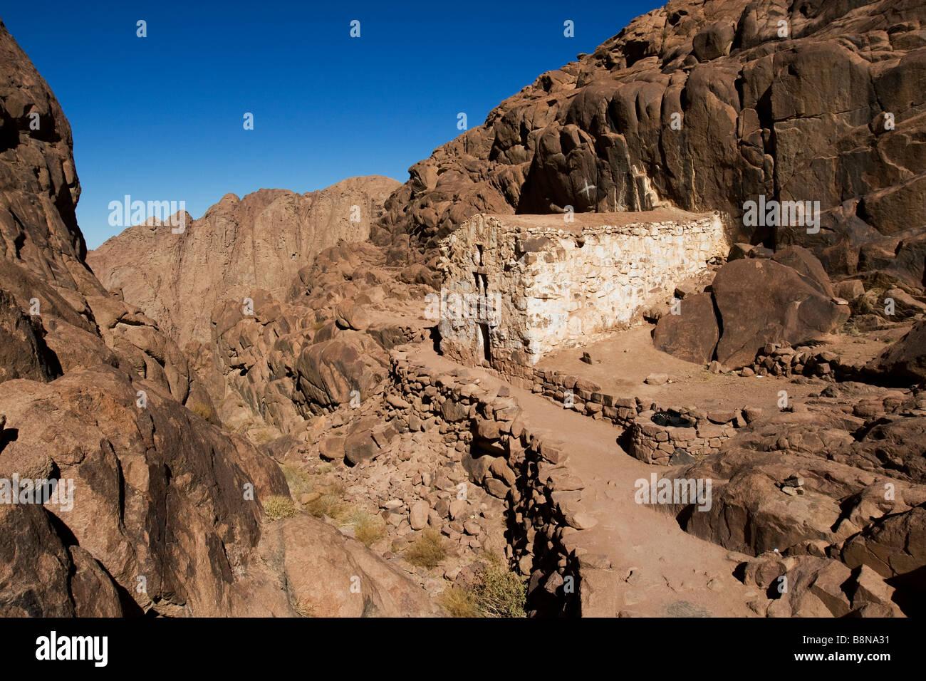 an old stone church on the way to the top to Mount Sinai, the mount of God, Sinai, Egypt - Stock Image