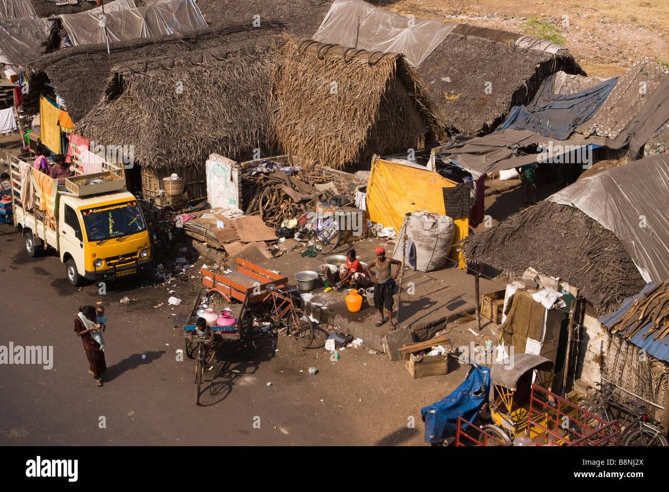 India Tamil Nadu Chennai roadside shanty temporary housing in city centre - Stock Image