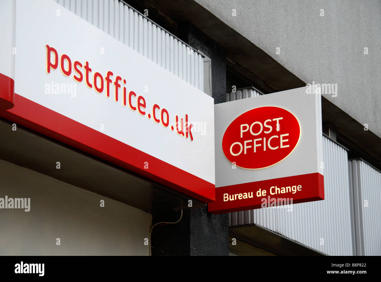 Bureau De Change Old Street royal mail sign logo uk stock photos & royal mail sign logo uk stock
