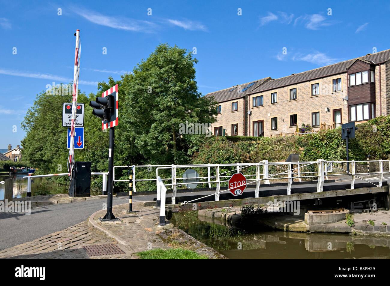 Brewery swing bridge near Skipton on the Leeds to Liverpool canal Stock Photo