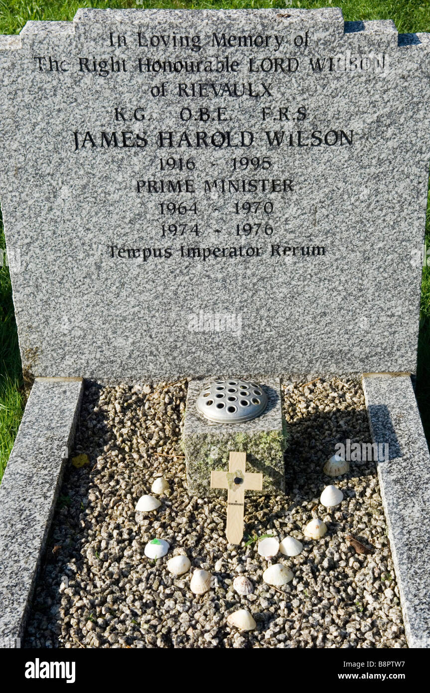 Grave of The Right Honourable Harold Wilson. Baron Wilson of Rievaulx. Former British Prime Minister. St. Mary's Stock Photo