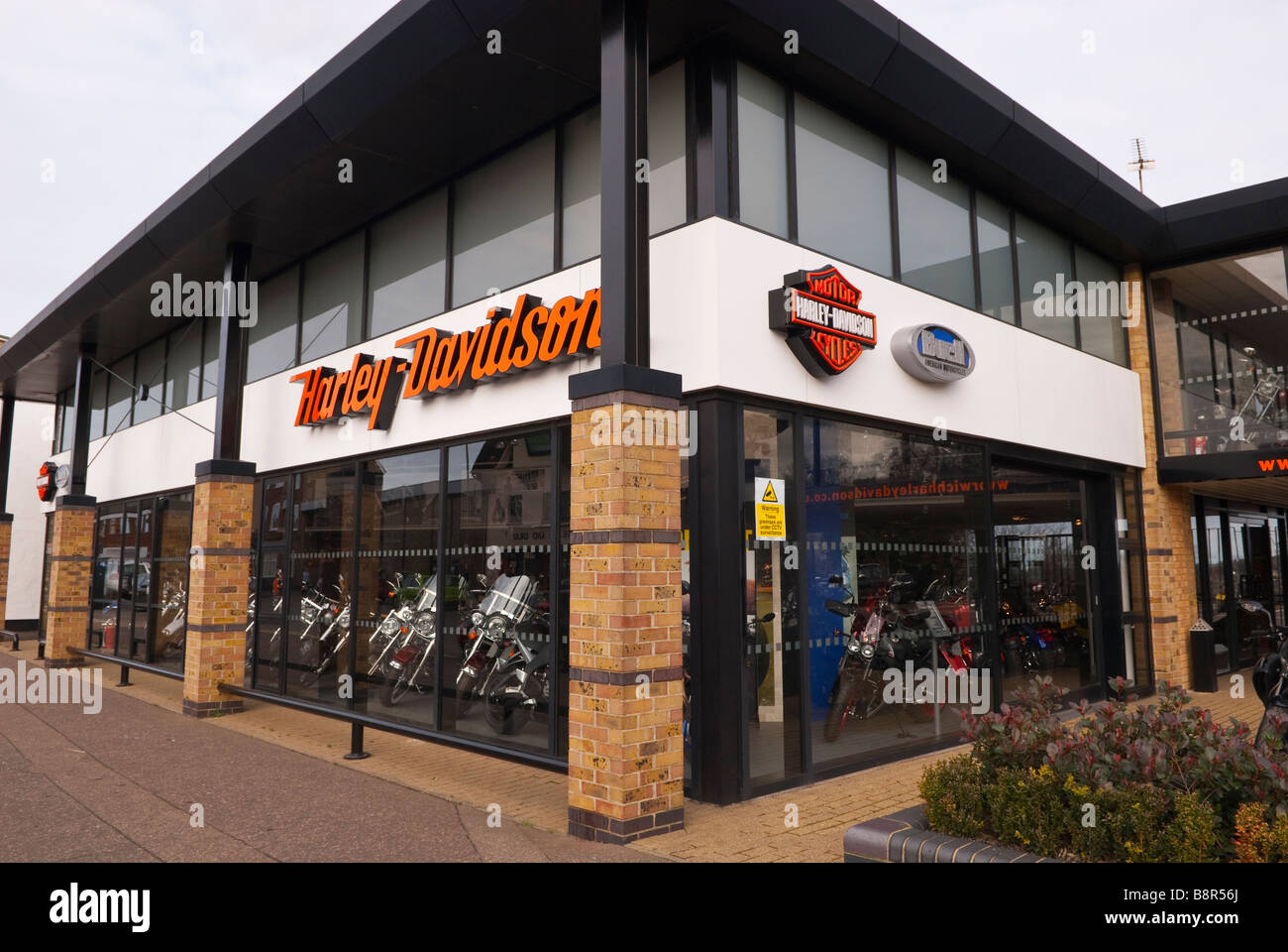 harley davidson motor cycles motorbike shop store selling motorcycles stock photo 22636618 alamy. Black Bedroom Furniture Sets. Home Design Ideas