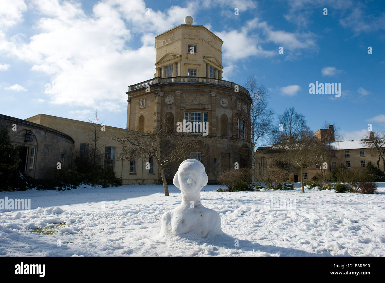 The Observatory In Green Templeton College And A Carpet Of Sunny Snow Stock Photo Alamy