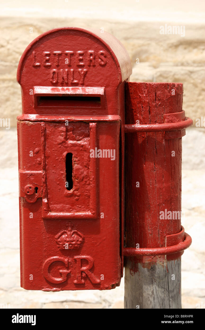 small red lamp the smallest postal box made outside the cape agulhas lighthouse and museum - Stock Image