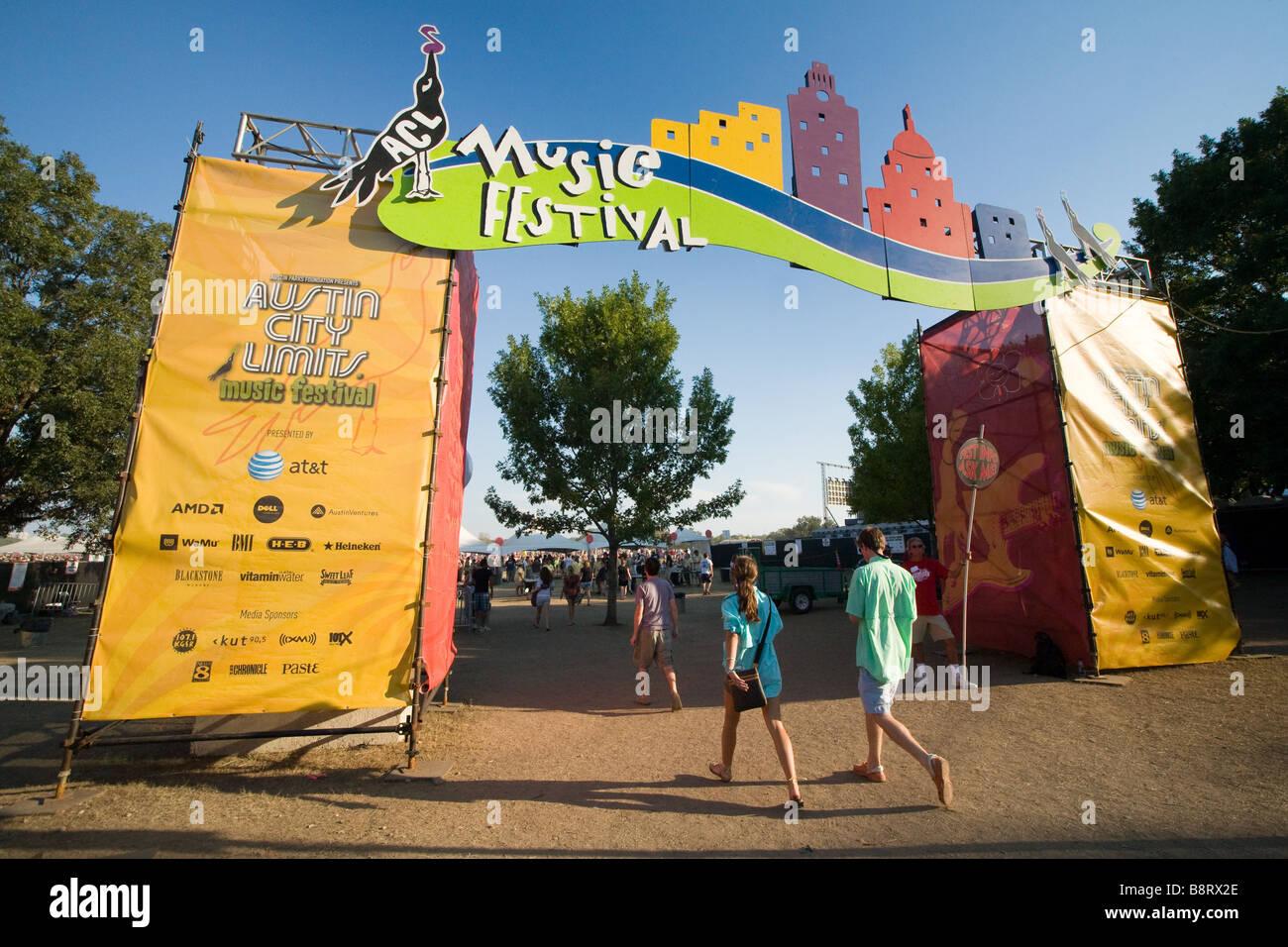 Austin, Texas - Fans  walking through a gate into Zilker Park for the Austin City Limits Music Festival 2008 - Stock Image