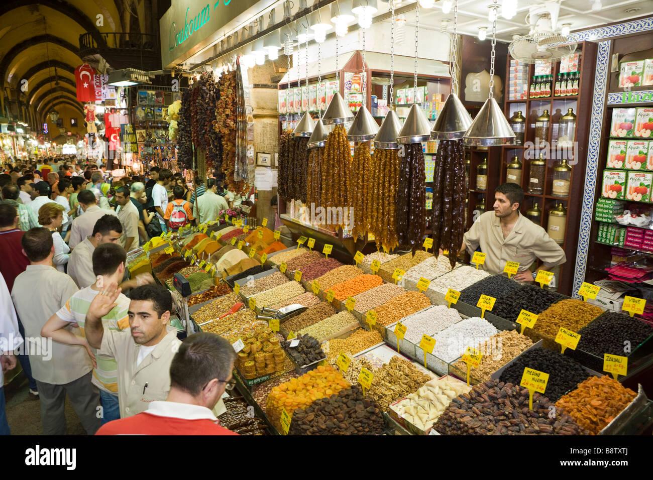 Main Passage at Egyptian Bazaar Istanbul Turkey - Stock Image