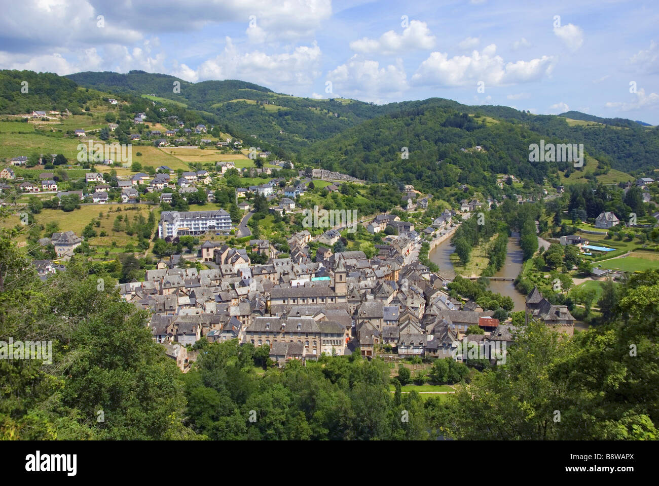 view on the city Entraygues-sur-Truyere in Vallee du Lot, France, Midi-Pyrenees - Stock Image
