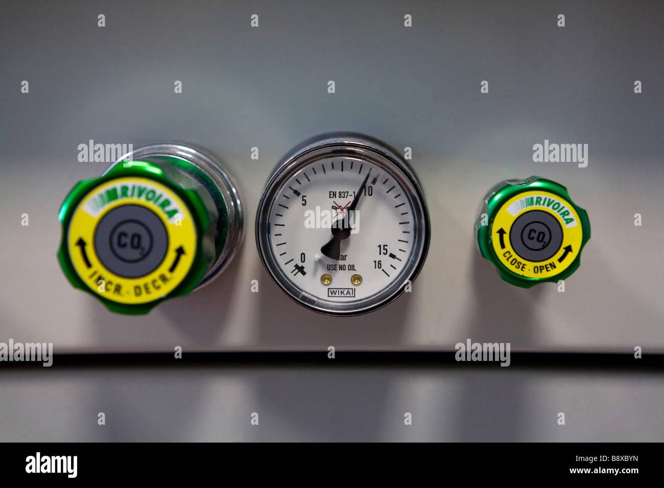 control system for gases, istituto di ricerche farmacologiche mario negri, milan, italy - Stock Image