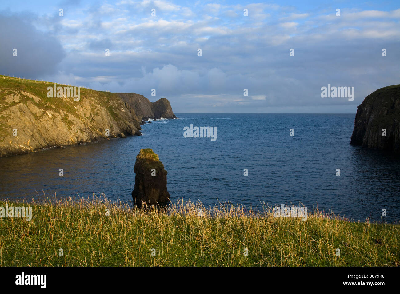 Cliffs on the coast, Malin Beg Bay, Bunglas Cliffs, County Donegal, Ulster Province, Ireland - Stock Image