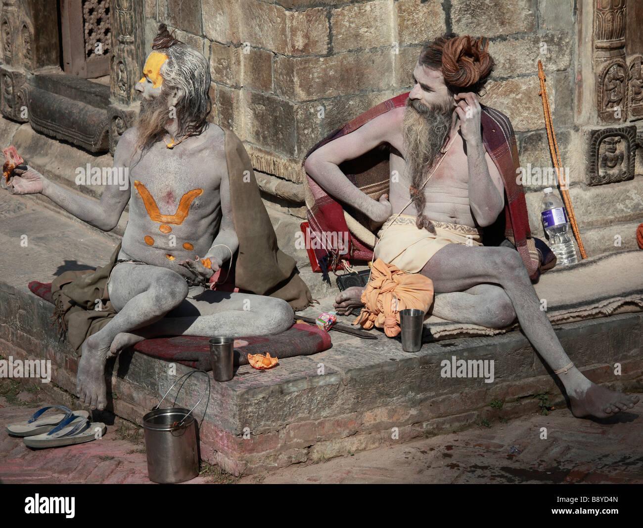 Nepal Kathmandu Valley Pashupatinath sadhus hindu holy men - Stock Image