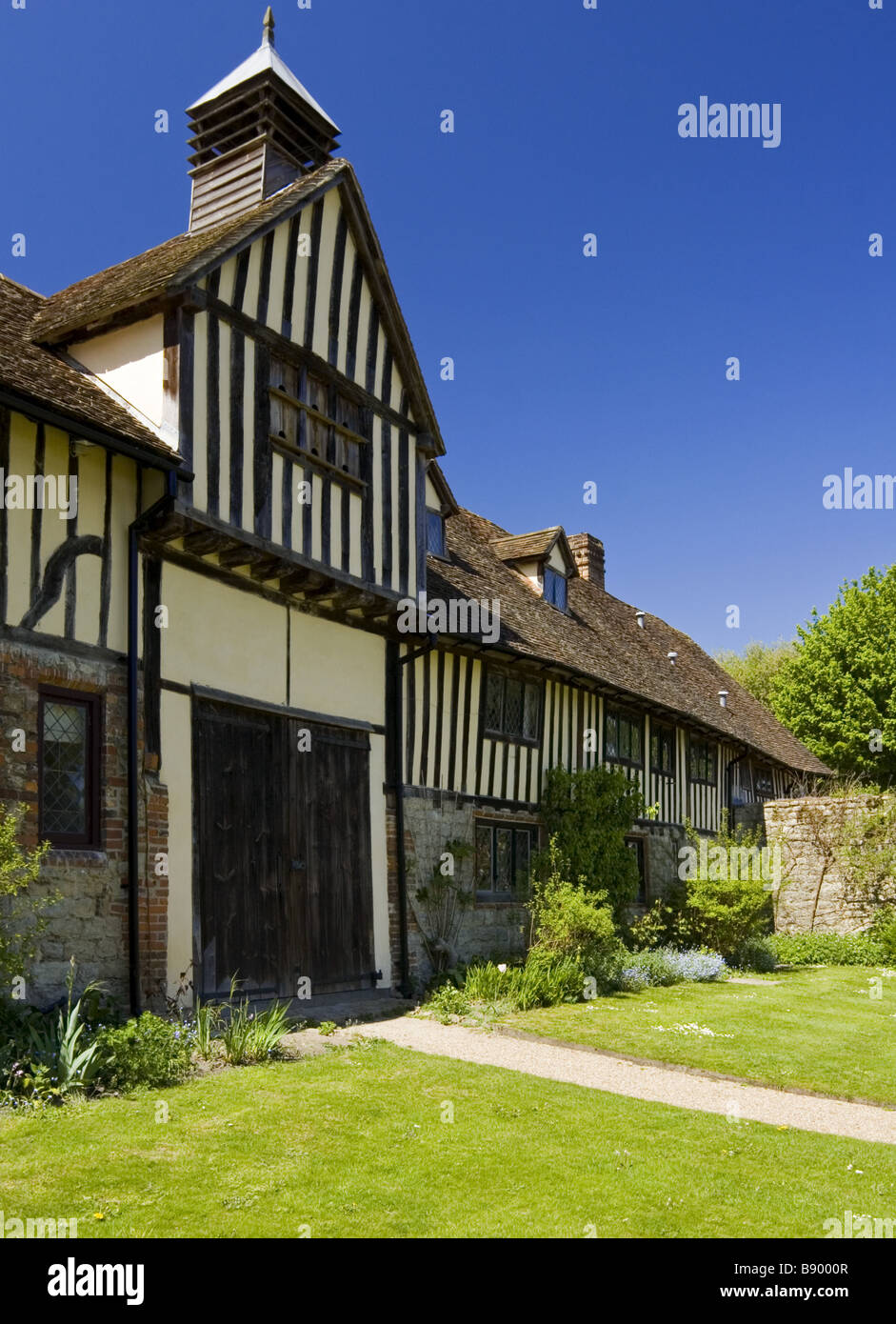Centre of the range of the fifteenth-century cottages at Ightham Mote, Sevenoaks, Kent. - Stock Image