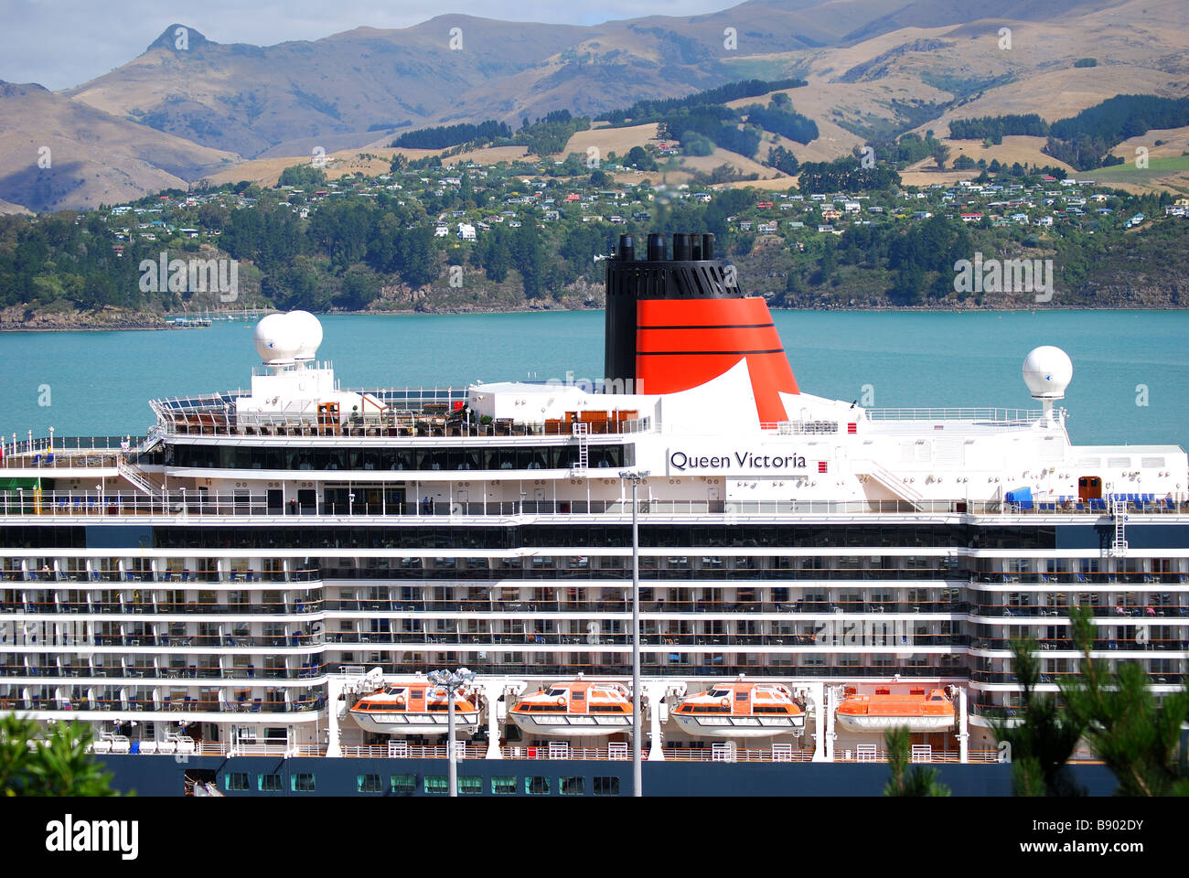 Cunard ship stock photos cunard ship stock images alamy - Queen mary swimming pool victoria ...