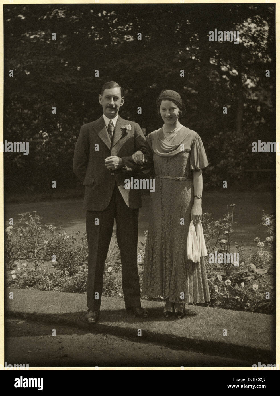 Edward Chambré Hardman and Margaret Mills on their wedding day in August 1932 - Stock Image