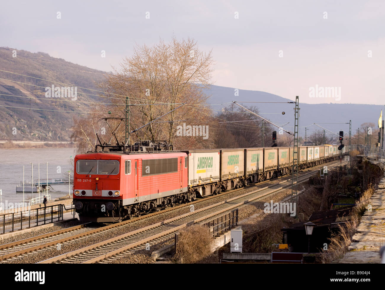 DB class 155 electric locomotive No 155 247-0 with an intermodal freight at Oberwesel - Stock Image