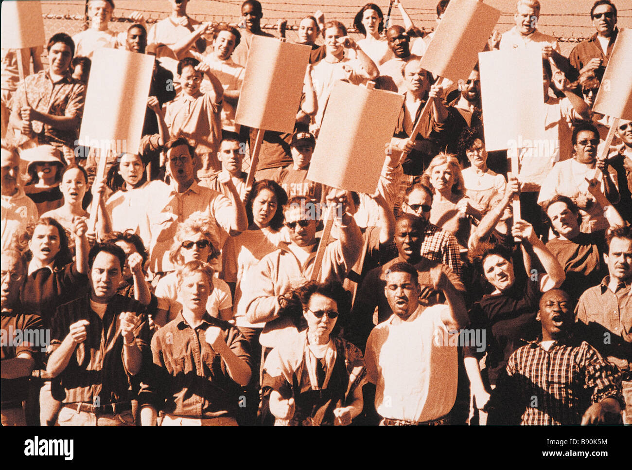 FL3461, FIRST LIGHT; Crowd waving placards - Stock Image
