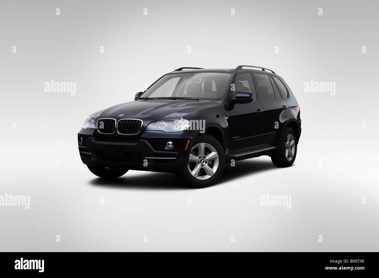 2009 BMW X5 3.0i in Blue - Front angle view - Stock Image