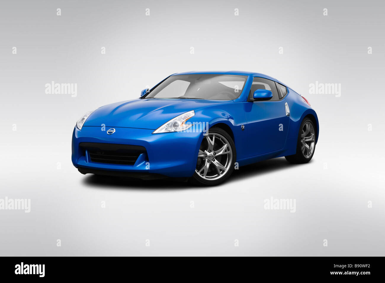 2009 Nissan 370Z SPORT 6MT In Blue   Front Angle View   Stock Image