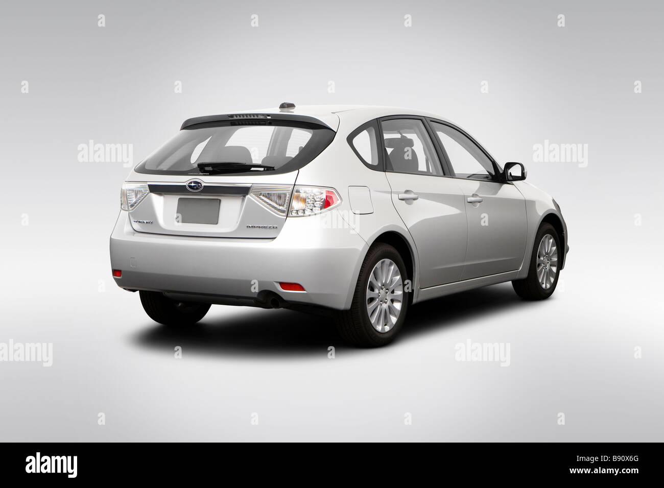 2009 Subaru Impreza 2.5 I >> 2009 Subaru Impreza 2 5i Premium In Silver Rear Angle View