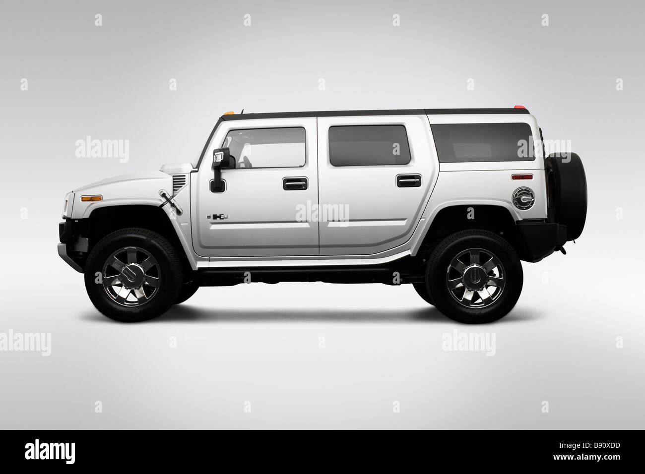 2009 Hummer H2 Limited Edition in Silver - Drivers Side Profile - Stock Image