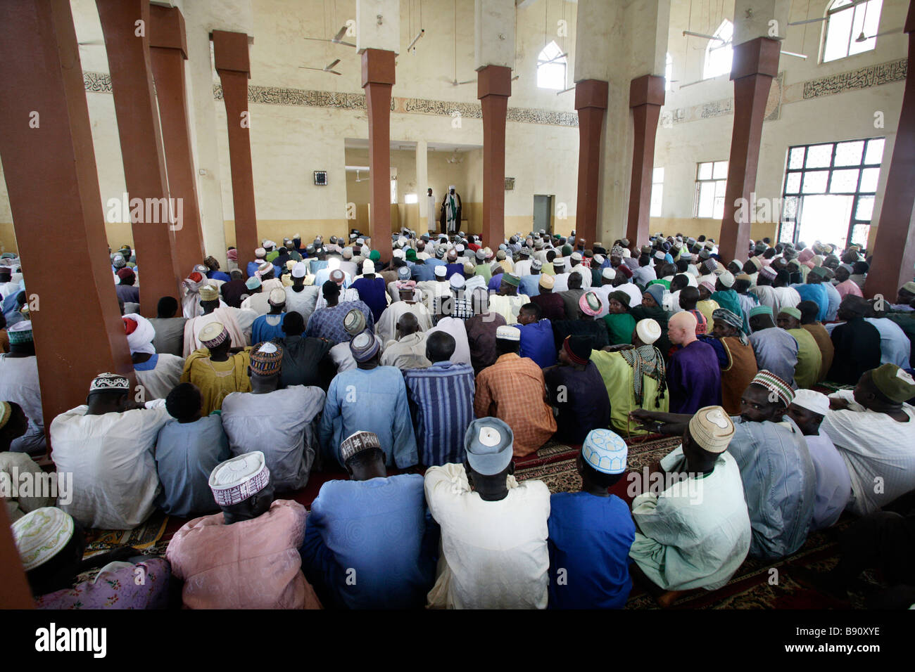 Nigeria: muslim men during the Friday prayer in the mosque of Wase/Nigeria - Stock Image