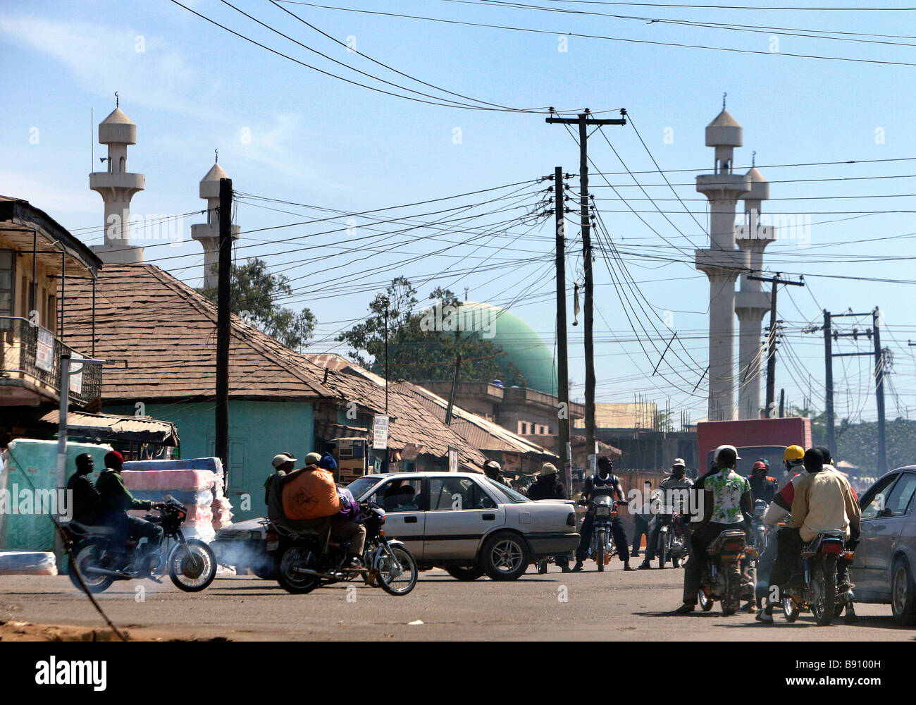 Nigeria: City of Jos with Central Mosque in the background - Stock Image