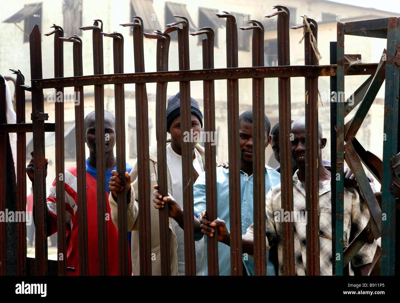 Nigeria: prisoners behind bars in the prison of Jos - Stock Image