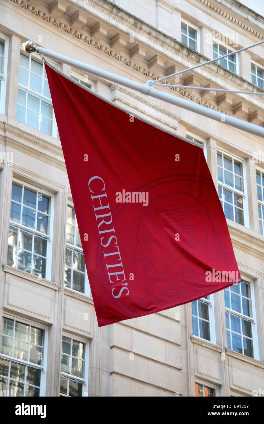 A Christie's flag flying above the International Auction House in St James's, London. Mar 2009 - Stock Image