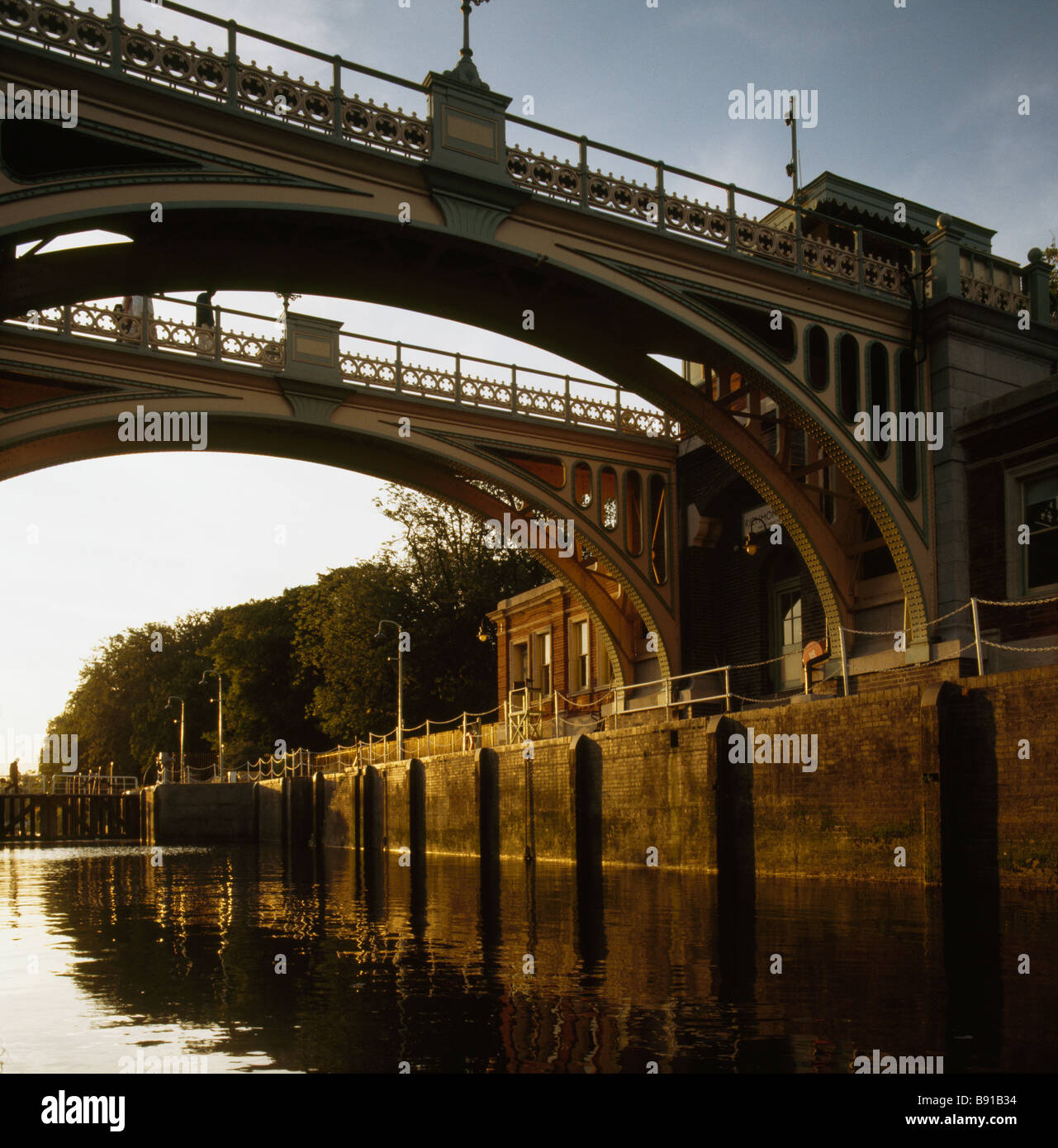 Richmond Lock and Weir on the river Thames Stock Photo