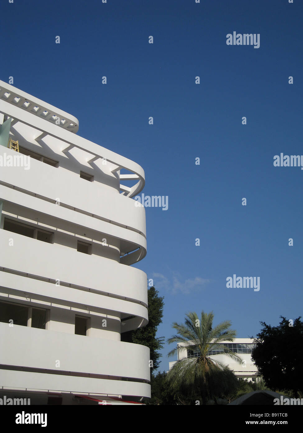 bauhaus architecture style in dizengoff square downtown tel aviv