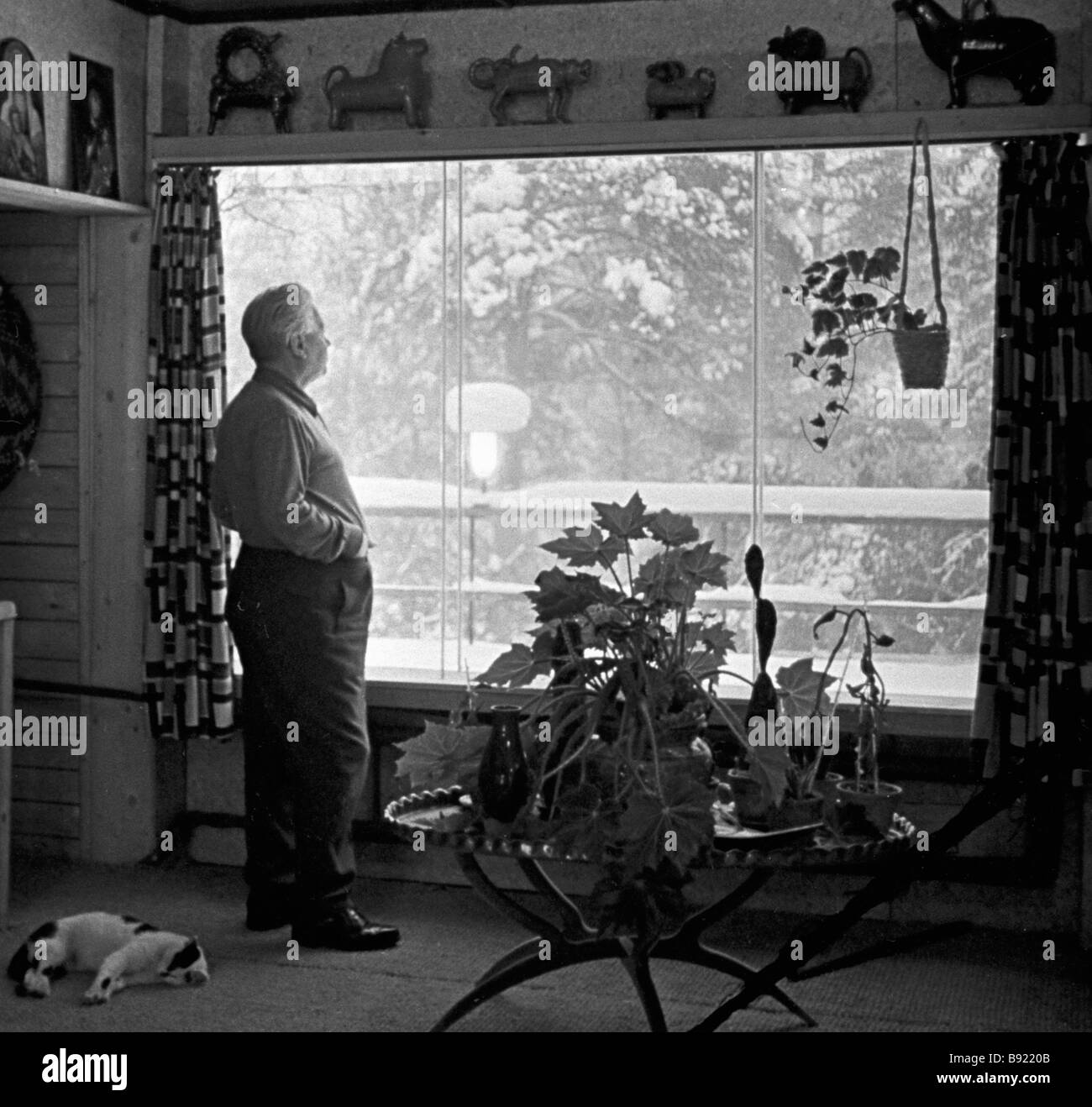 Puppet master Sergei Obraztsov People s Artist of the USSR in his country house near Moscow - Stock Image